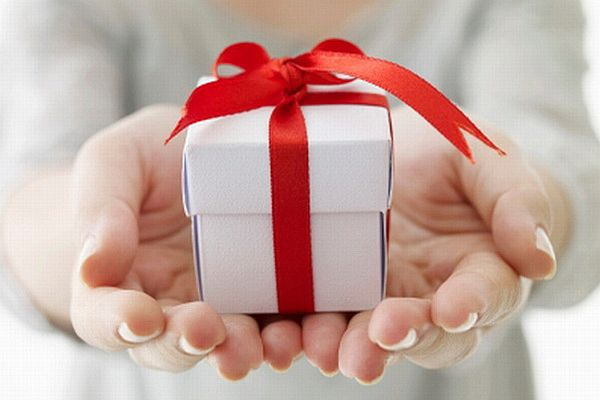 Doanh nghiệp có bị lỗ khi tặng quà?