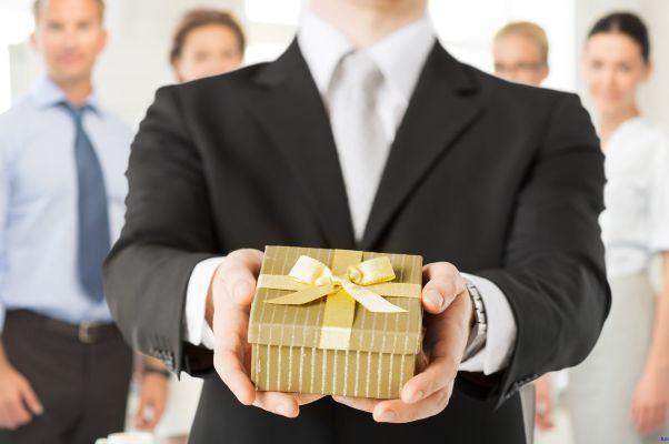 Bật mí cách chọn quà tặng doanh nghiệp phù hợp nhất