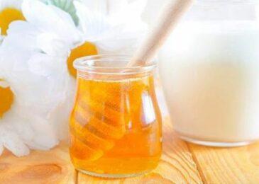 Đẹp da, sạch mụn nhờ mặt nạ sữa chua mật ong