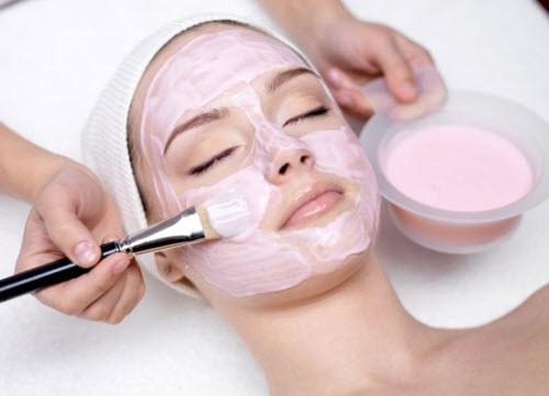 Tẩy mụn và chăm sóc da với mặt nạ sữa chua và cà chua 1