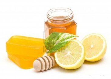 Cách làm căng da mặt bằng mật ong