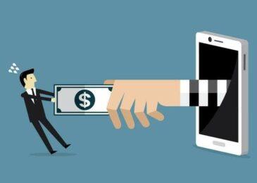 Nghe điện thoại từ số máy lạ mất hết tiền trong tài khoản